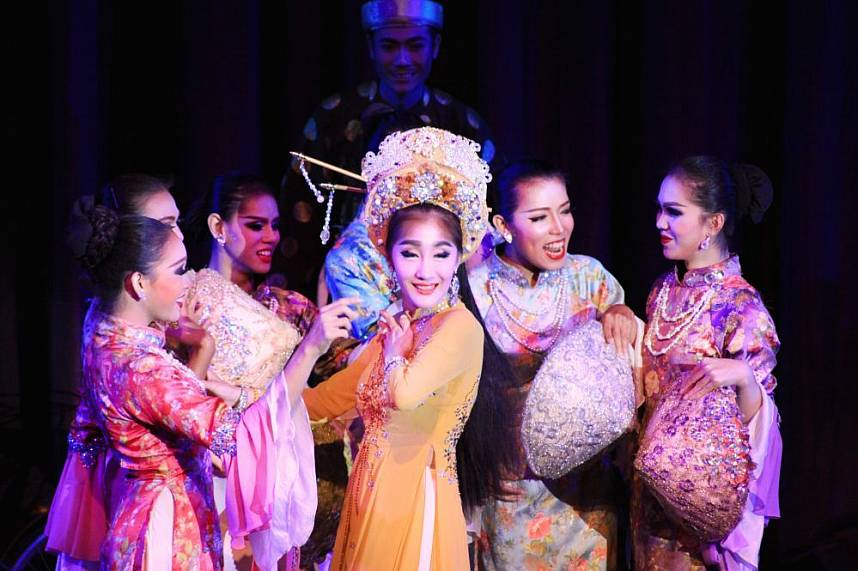 the ladyboys perform in unique dresses at Colosseum Cabaret Show Pattaya