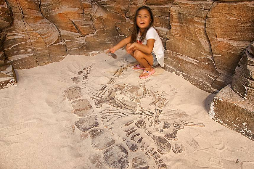 this kid will love to be an archaeologist - at least in Pattaya Teddy Bear Museum