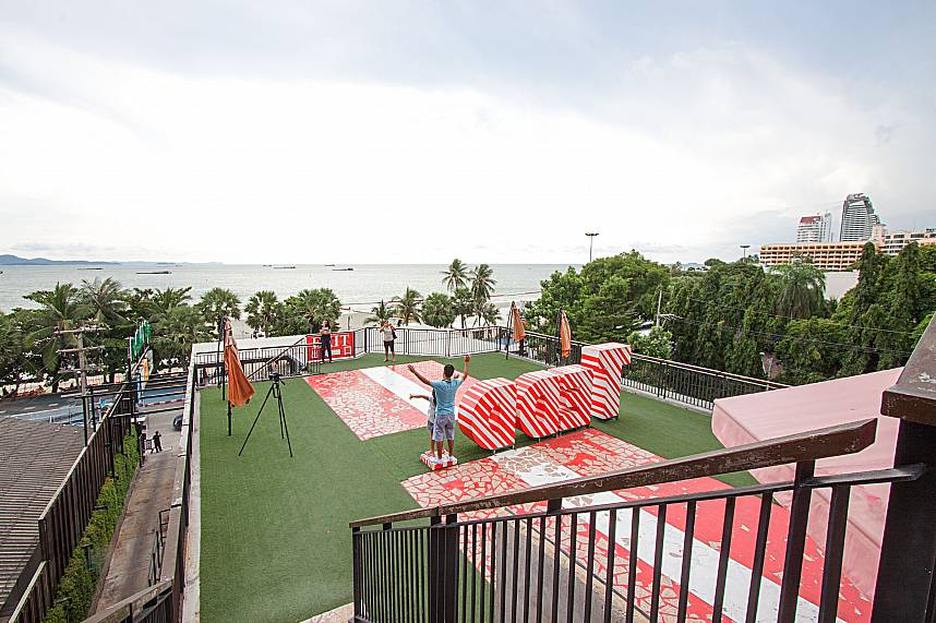 the roof top at Pattaya Teddy Bear Museum is another great place for photos