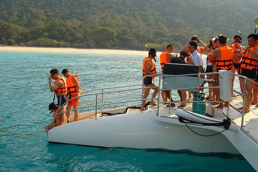 A tour with Serenity Catamaran during your Pattaya vacation brings you to remove beaches