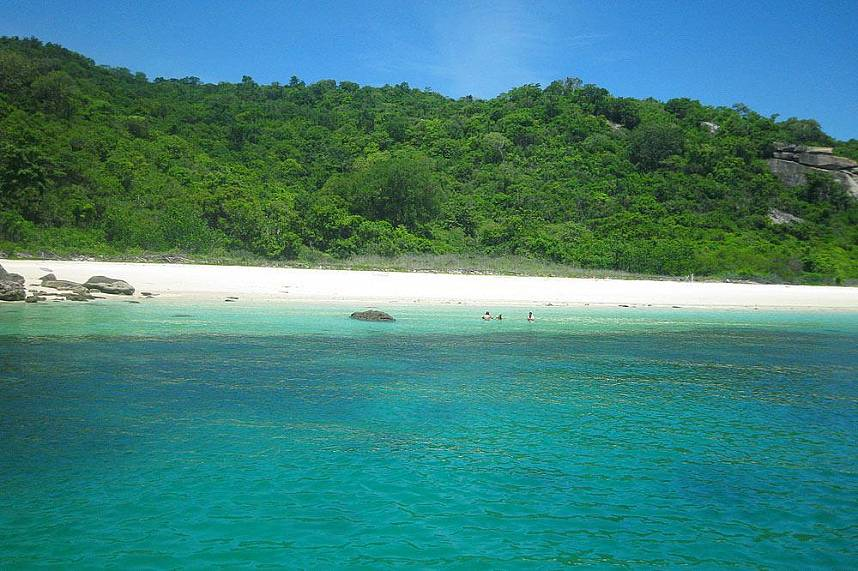 Idyllic beaches and clear water await tourists during a trip with Serenity Catamaran Pattaya