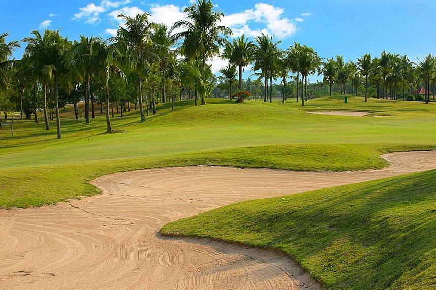 Well maintained golf course in the tropics at Eastern Star Golf Course Pattaya