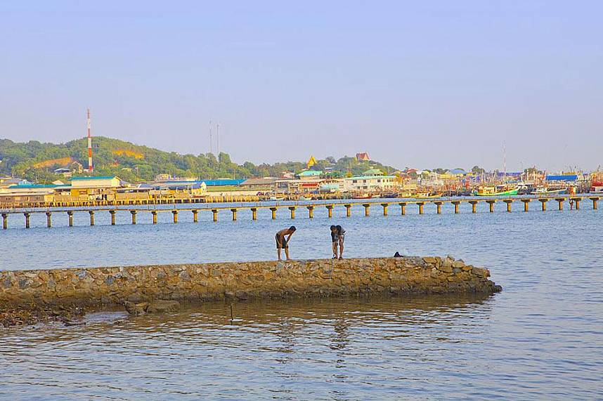 Local fishermen at Samaesarn Island Pattaya