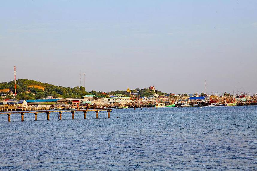 The small village with fishing vessels at Samaesarn Island Pattaya
