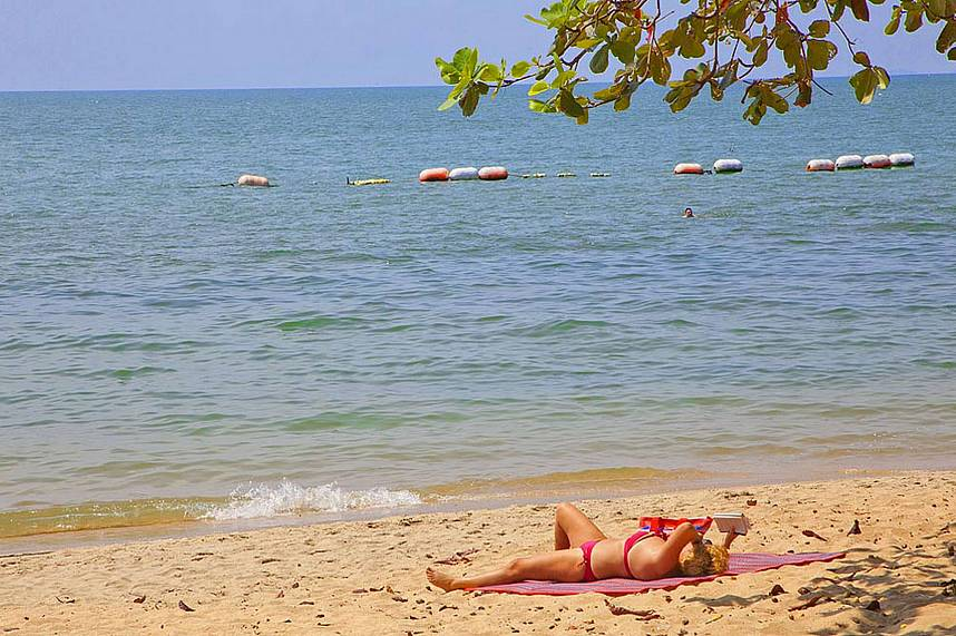 Get a suntan and have a swim at Dong Tan Beach Pattaya