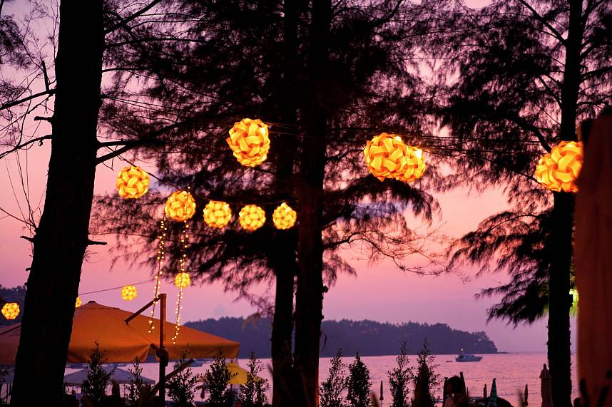 Try to visit the charming atmosphere at Bliss Beach Club Bang Tao Phuket during sunset