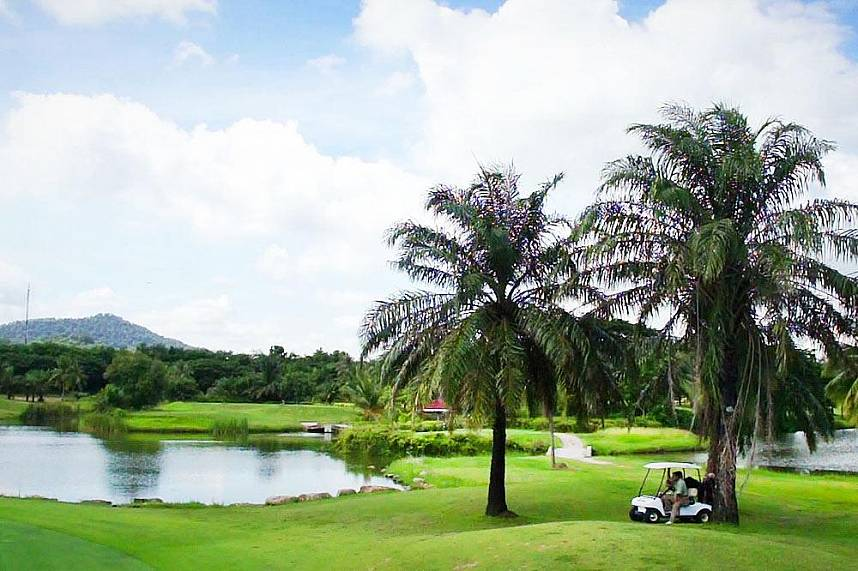 Tropical scenery for the perfect golf holiday at Pattaya Crystal Bay Golf Club