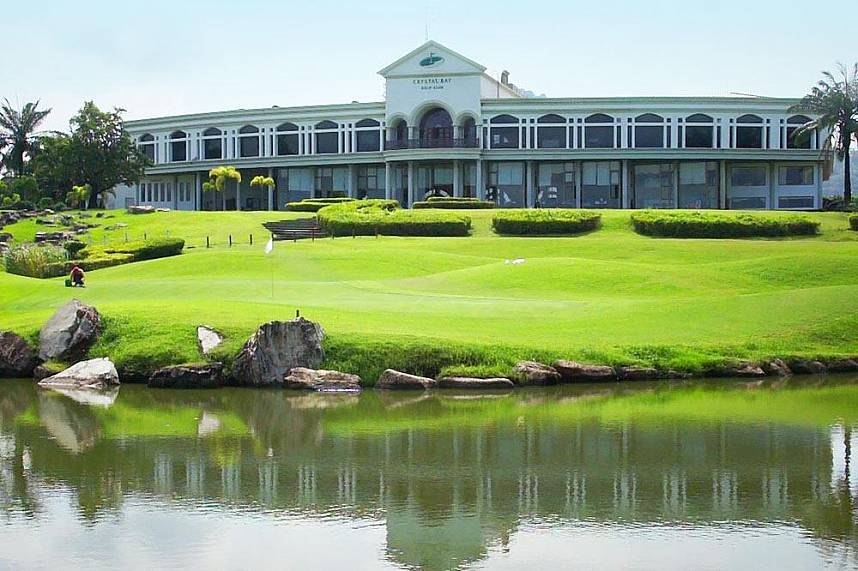 Pattaya Crystal Bay Golf Club greets you for a superb golf holiday in Thailand