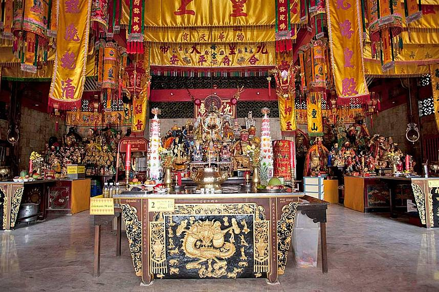 This Phuket Chinese Temple has an amazing display of Chinese goodness