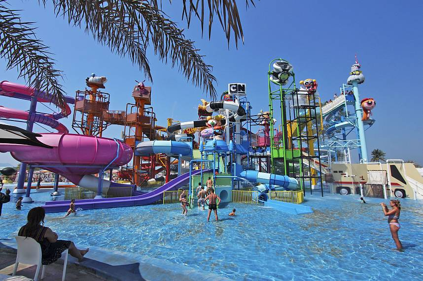 Visit during your Thailand holiday the amazing Water Park Cartoon Network Amazone Pattaya