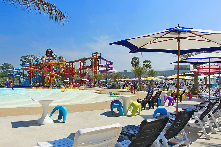 There are many chairs and sunbed for visitors at Cartoon Network Amazone  water park Pattaya
