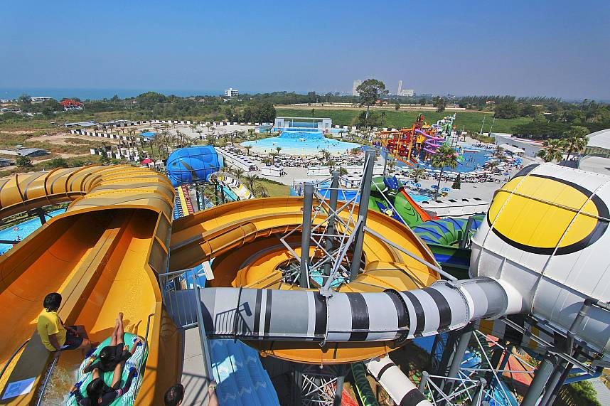 Water Park Cartoon Network Amazone Pattaya has huge water slides