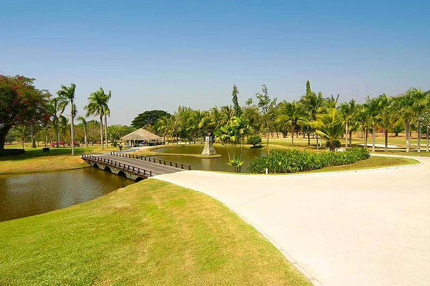 Bangpra International Golf Course Pattaya is waiting for you!
