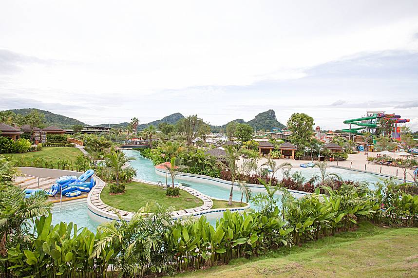 Pattaya RamaYana Water Park  has lots of nice landscapes gardens