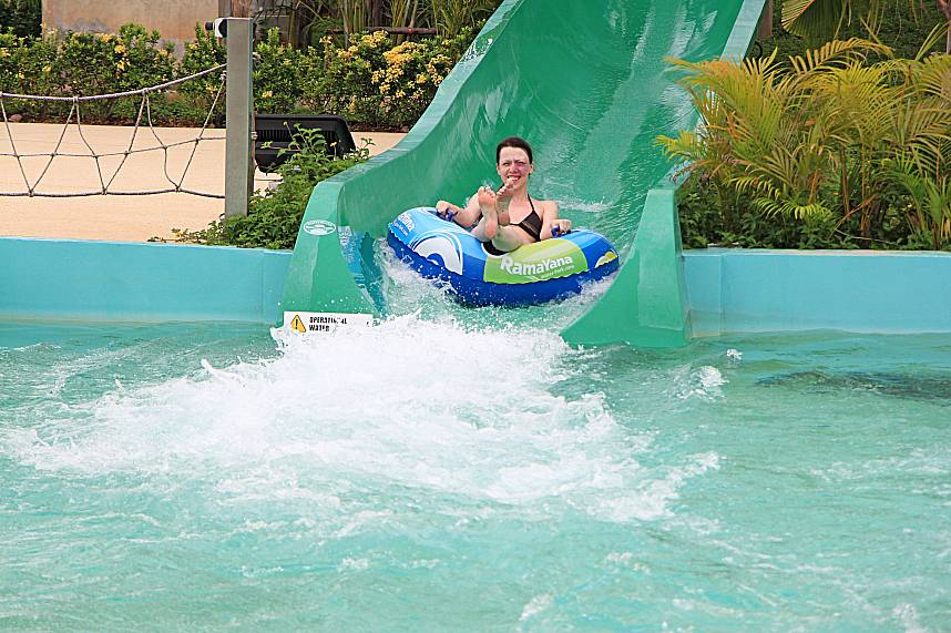Do it as this lady - enjoy all the fun during your Pattaya holiday at RamaYana Water Park