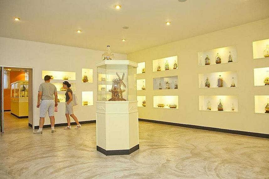 visit during your holiday the Pattaya Bottle Art Museum