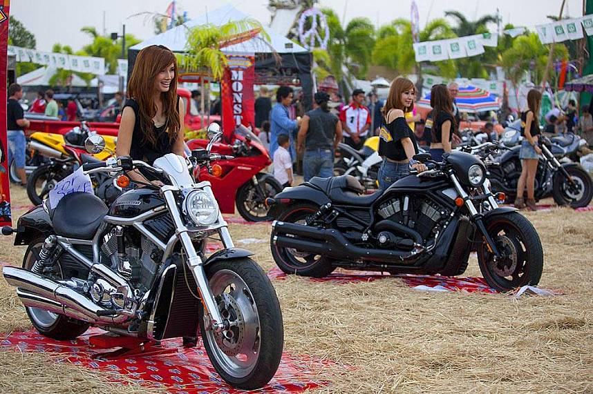 The ladies are not for sell at Annual Burapa Bike Show Pattaya
