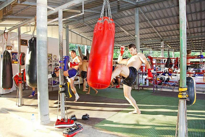 Thailand holiday fitness at Chor Nateethong Muay Thai Gym Pattaya