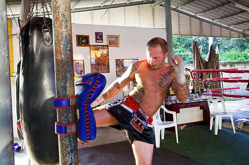 Thai kick boxing exercise at Chor Nateethong Muay Thai Gym Pattaya