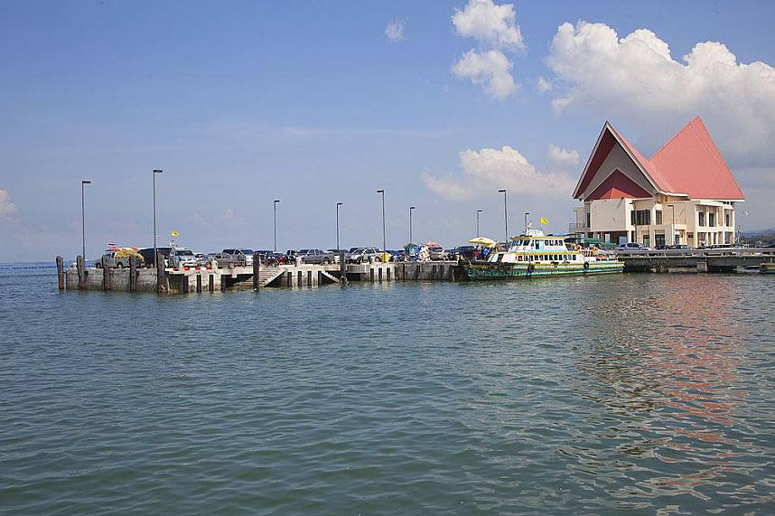 Ferry pier at Koh Loy Tropical Island near Pattaya