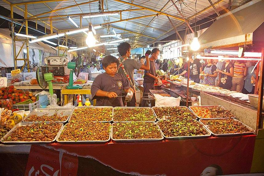 Amazing stroll through the Pattaya Weekend Night Market
