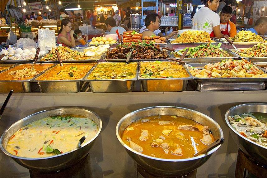 Get the taste of unique Thai food at Pattaya Weekend Night Market