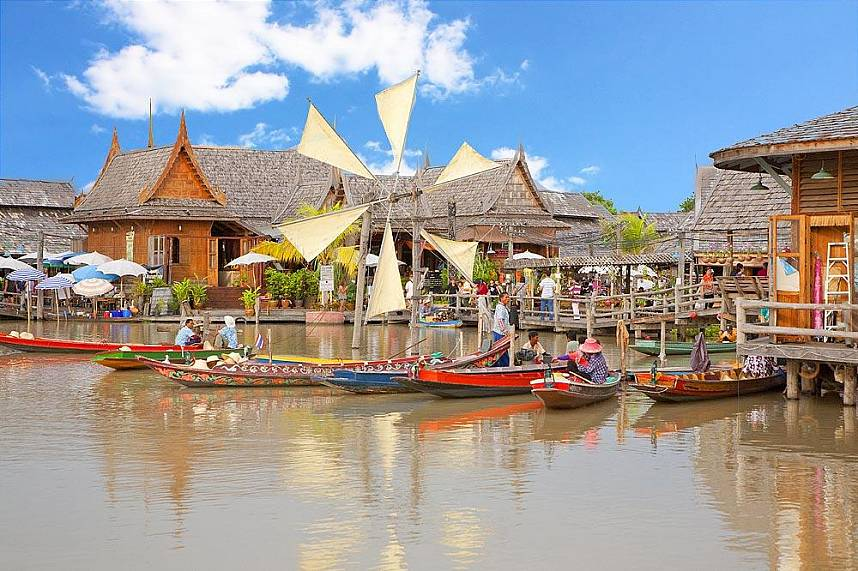 Every photographers delight - Pattaya Floating Market