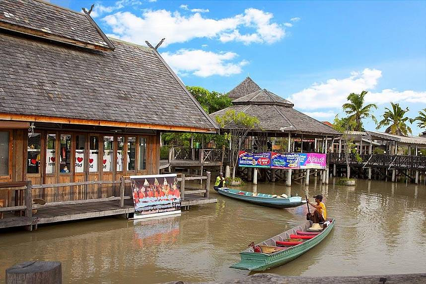 Take a boat and discover the waterways at Pattaya Floating Market