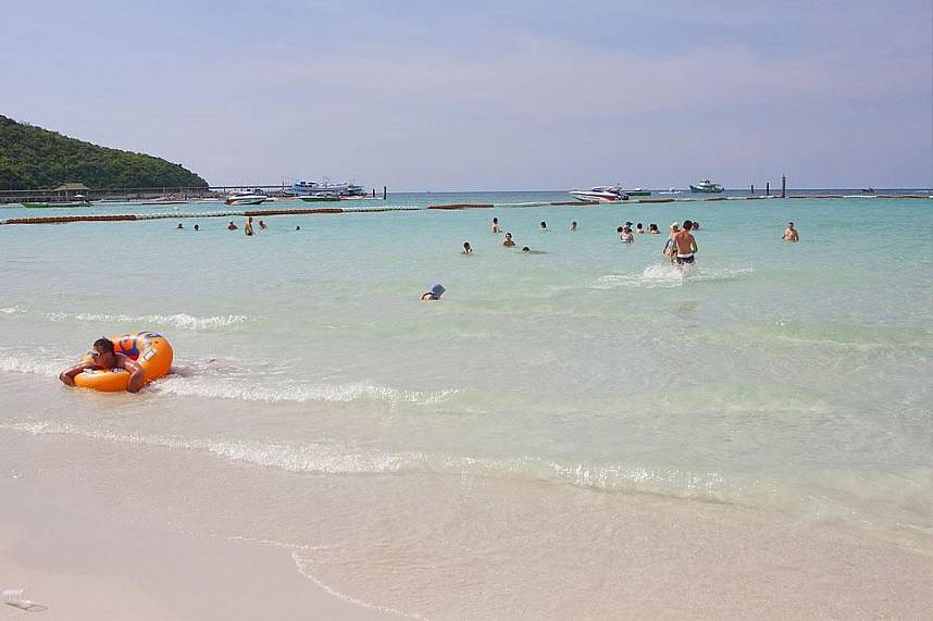 enjoy clear water, white sand and sun at Koh Larn Gulf of Siam Pattaya
