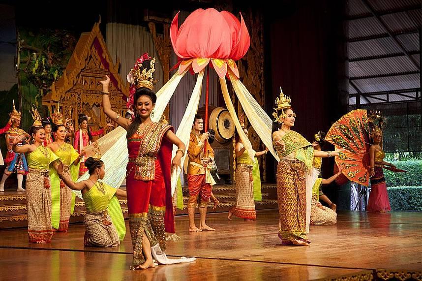 Cultural show at Nong Nooch Gardens Pattaya