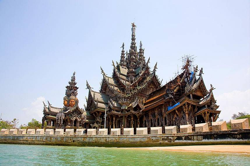 Amazing Pattaya temple at The Sanctuary of Truth
