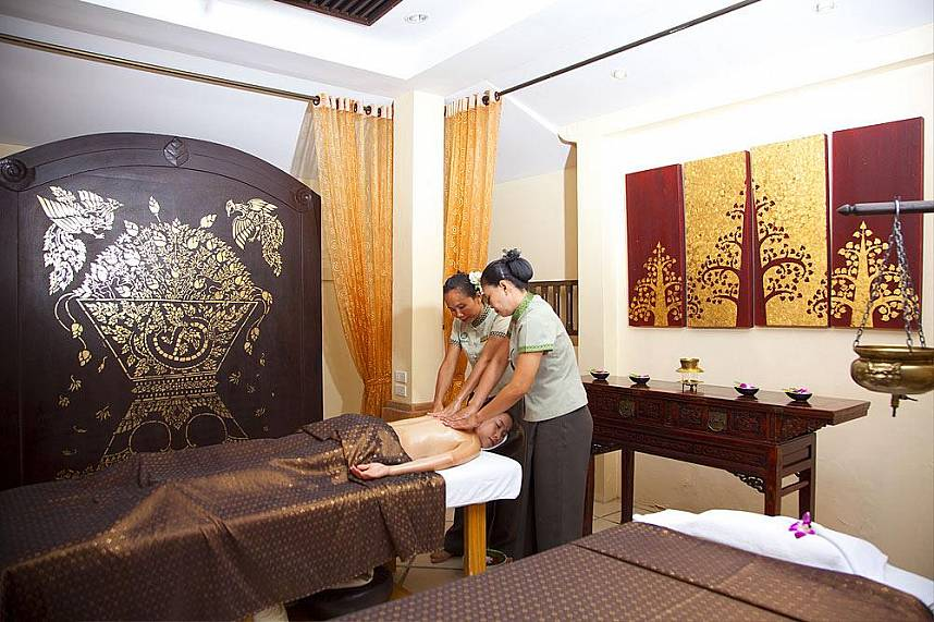 Four hands for great relaxation in Pattaya Oasis Spa