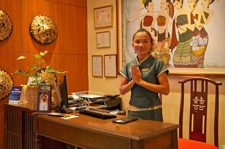 Warm welcome at Oasis Spa in Pattaya