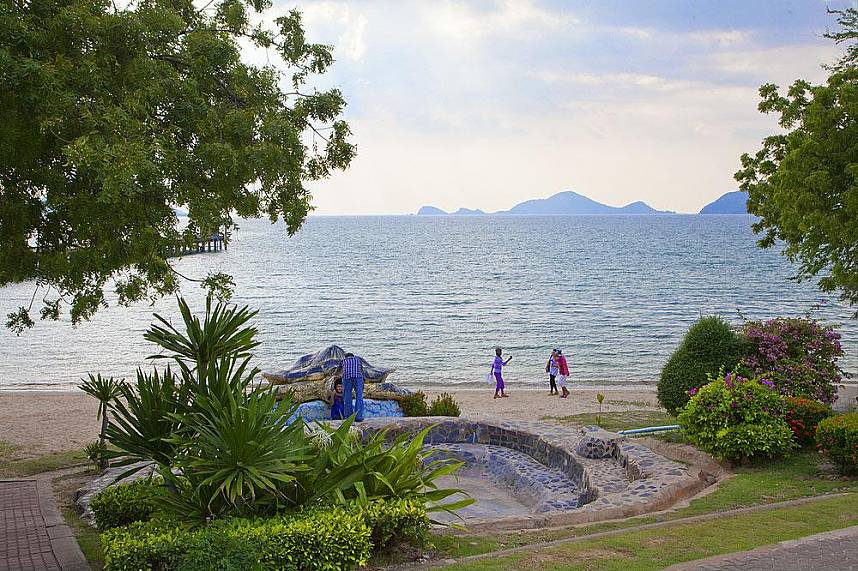 The Pattaya Sea Turtle Conservation Center is straight on a lovely beach