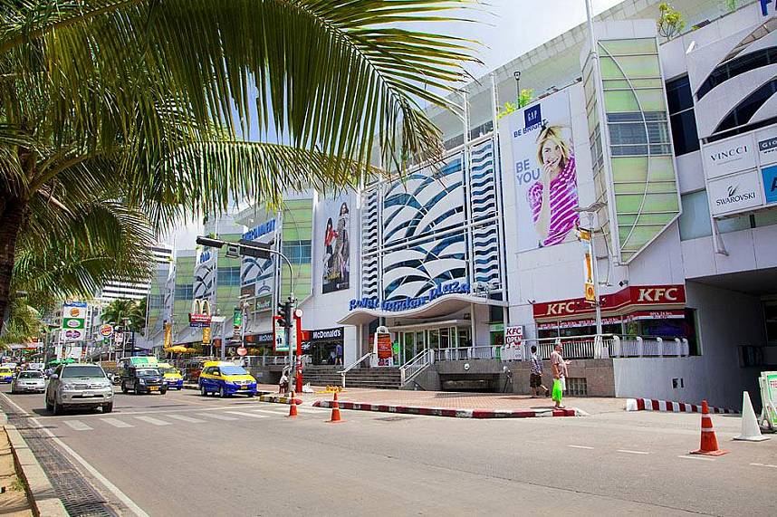 Pattaya Beach and Beach Road with the huge shopping places