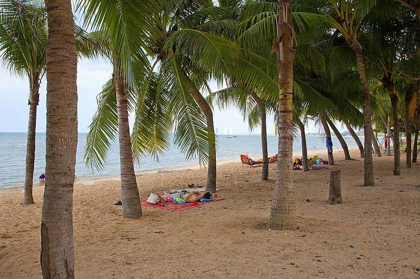 Bang Sarae Beach Pattaya is a very quiet beach location in the south of Pattaya