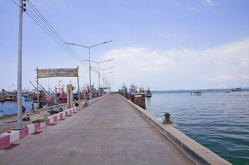 Pier at Bang Sarae Beach Pattaya