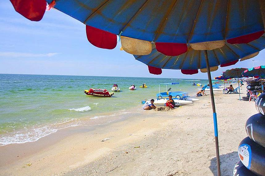 Less then one hour drive awaits you Bangsaen Beach near Sriracha
