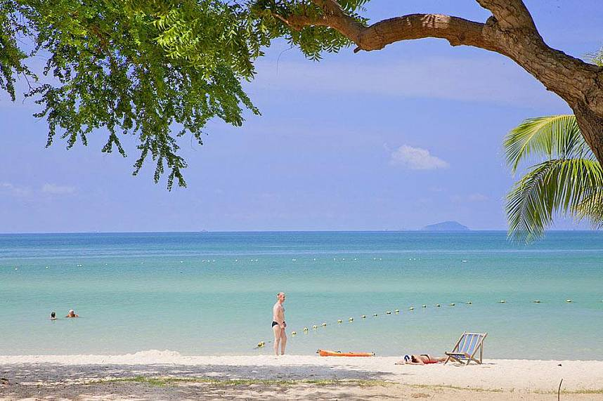 Dreamlike holiday atmosphere at Sai Kaew Beach Sattahip Pattaya