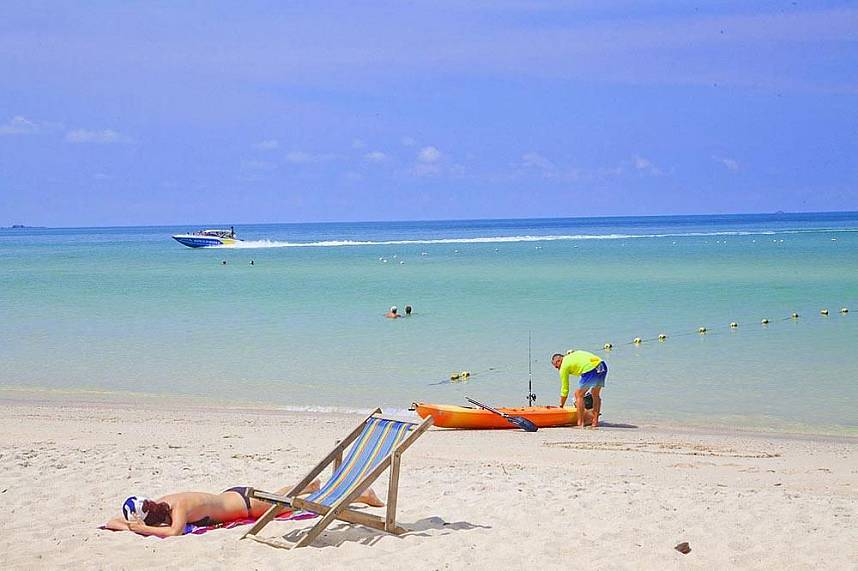 Sai Kaew Beach Sattahip Pattaya is the perfect spot for a family beach day
