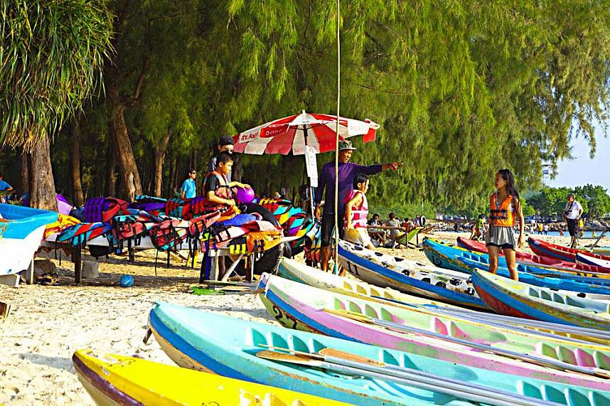 Nang Rum Beach Sattahip is a great place for a day trip with the whole family