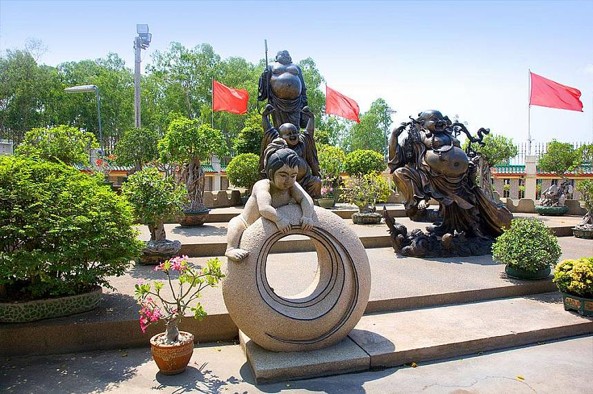 Art and culture at Viharnra Sien Chinese Temple Pattaya
