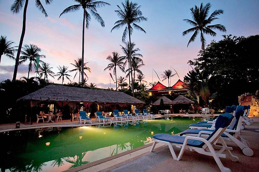 Friendship Beach Restaurant Phuket offers not only great food but a pool as well