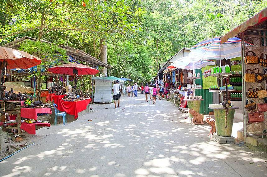 Great souvenirs waiting at Na Muang Waterfall Koh Samui