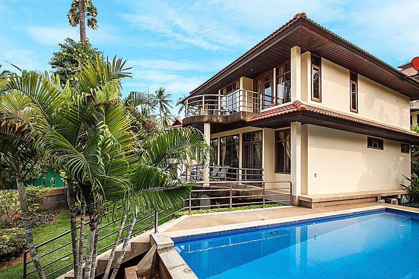 Swimming pool with the house and a beautiful view of Ban Talay Khaw O3