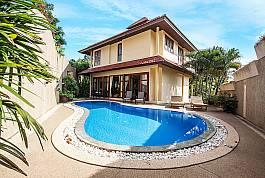 Luxuriöses Ferienhaus mit großem Privatpool zu vermieten