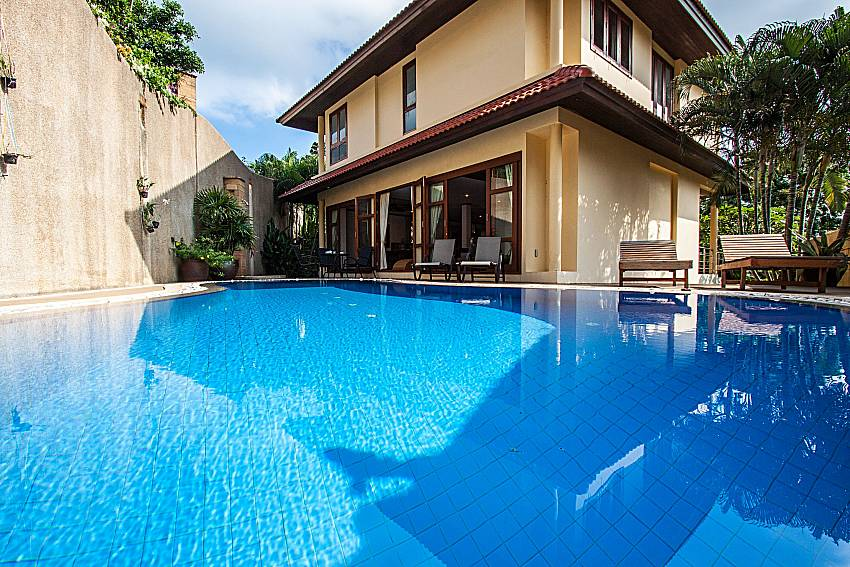 Swimming pool in font of the house of Ban Talay Khaw T15
