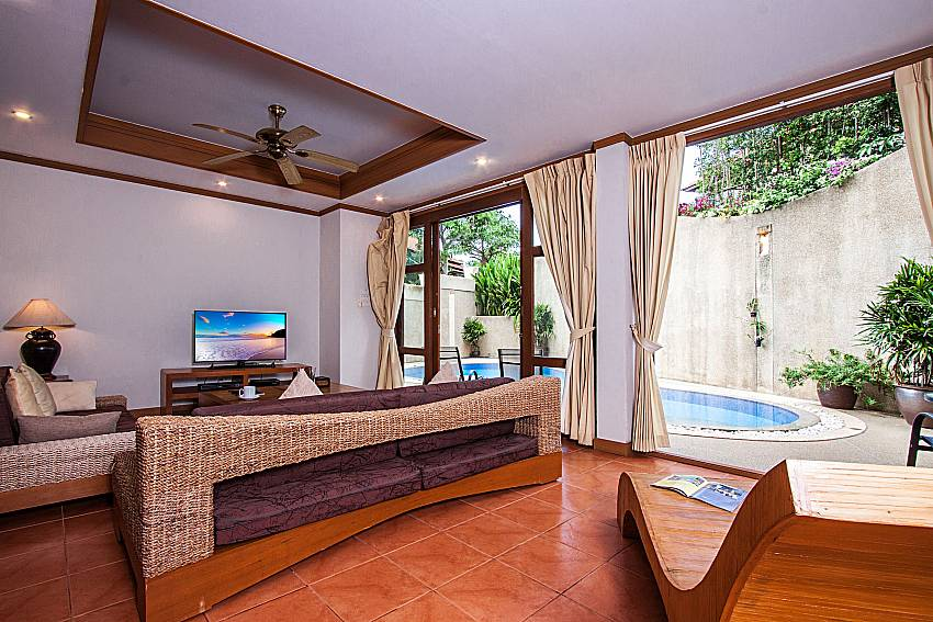 Living room neat to the pool of Ban Talay Khaw T15
