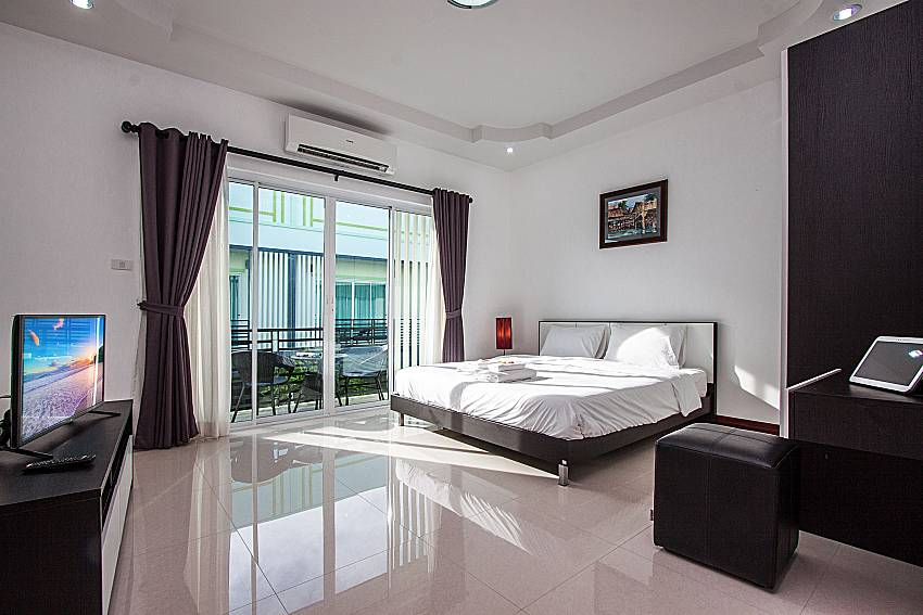 Overview in the bedroom of Baan Kiet 1 (First)
