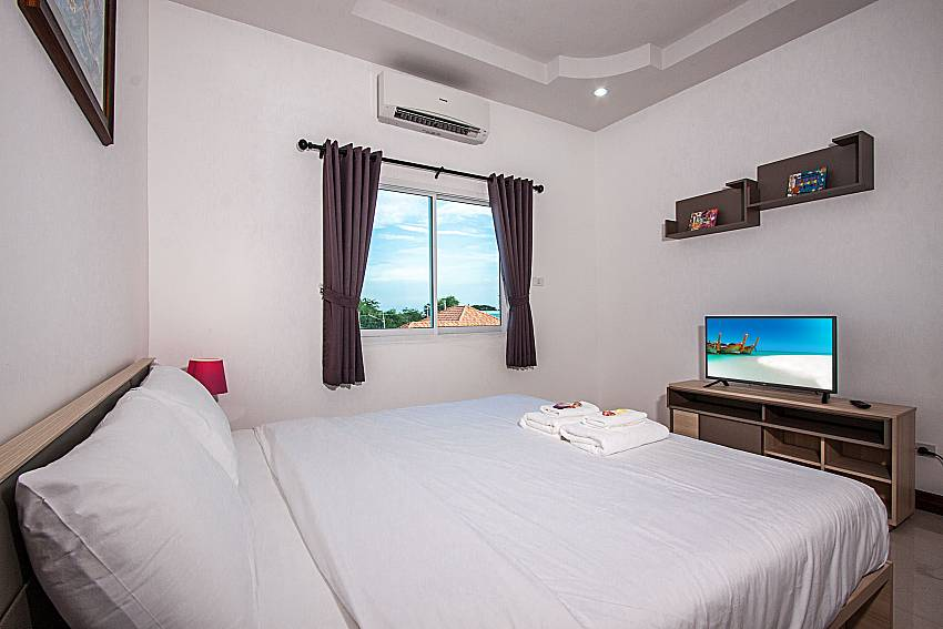 Bedroom view and TV of Baan Kiet 1 (Second)
